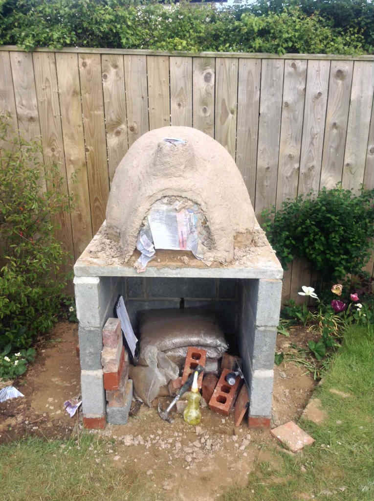 Dave Chislett S Diy Pizza Oven Made With Heatproof Screed